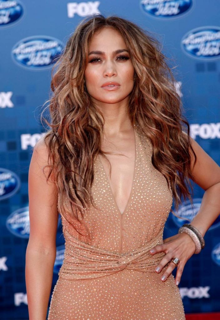 Jennifer Lopez and The Super Bowl Waves 9